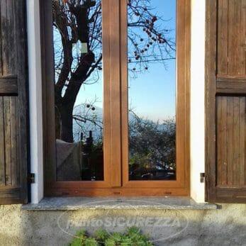 finestra-effetto-legno