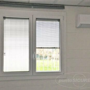 finestra-veneziana-interno-vetro