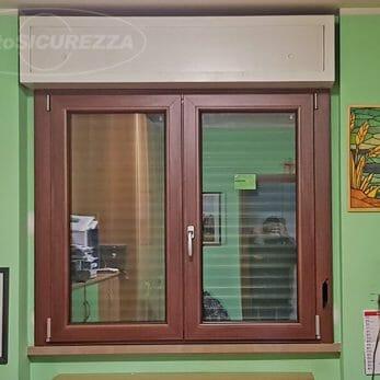 nuova-finestra-camera-effetto-legno